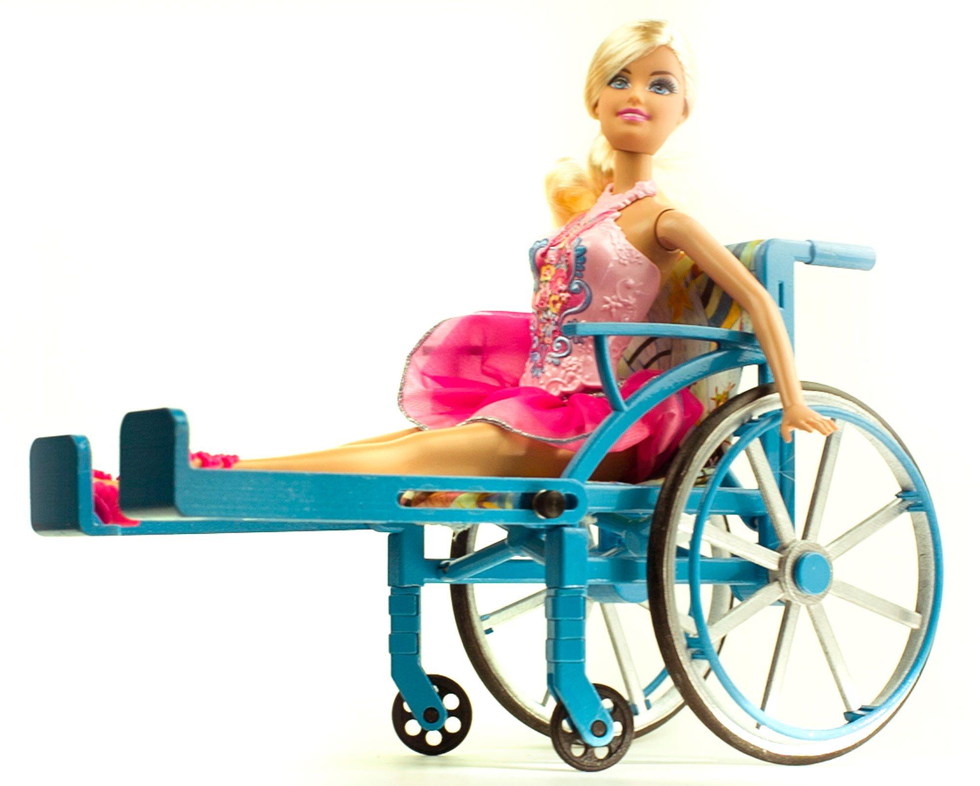 בובת ברבי בכיסא גלגלים
